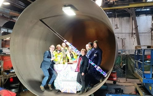 Party in a pressure vessel