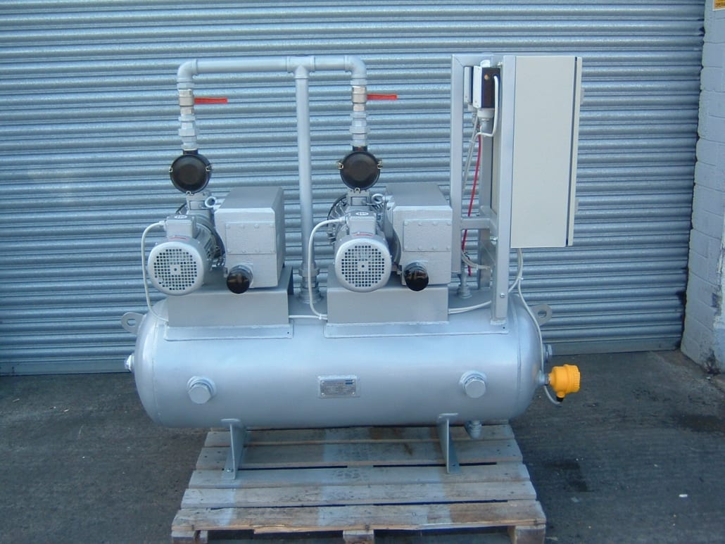 Horizontal Vacuum Vessel with saddle plates. Bespoke. Design code BS 5169, EN 286,